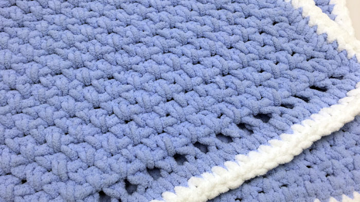 Crochet Baby Blanket for Beginners + Tutorial | The Crochet Crowd