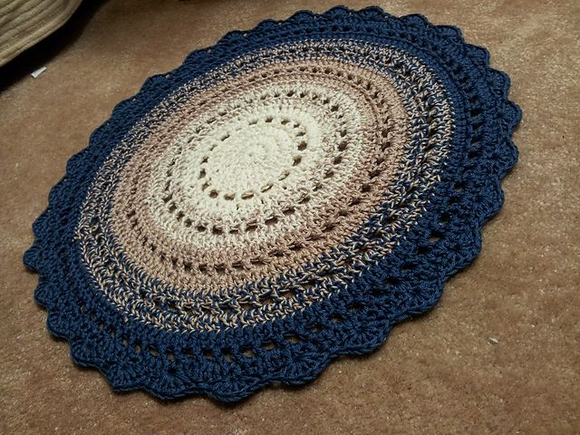 Crochet Rug.Free Pattern! // LOVE THIS ONE!!! A | rugs | Crochet