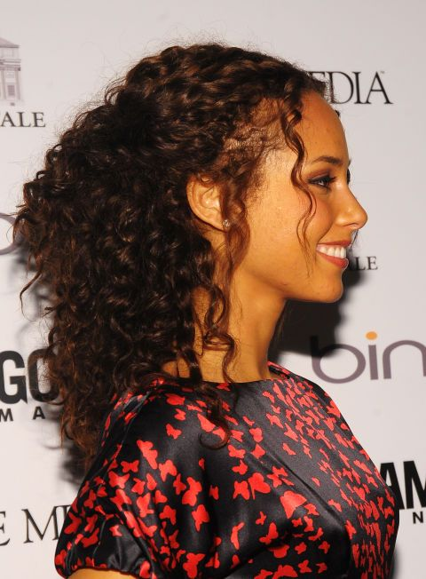 8 Easy Naturally Curly Hairstyles You'll Love | Byrdie