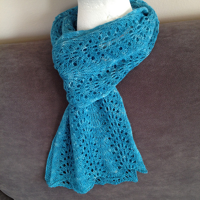 25 Scarf Knitting Patterns: The Best of Ravelry & Beyond