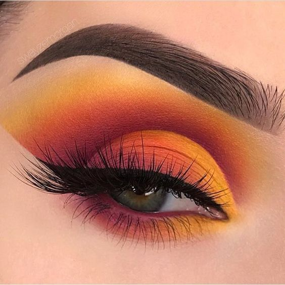 5 High Fashion Eye Makeup Looks We Dare You to Try in May - RY