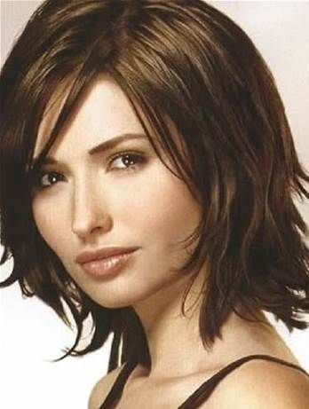 Medium Hairstyles for Women Over 40 with Fine Hair and round face
