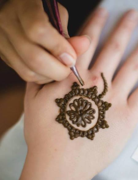 Natural Henna Tattoo Paste Recipe - Live Simply Natural