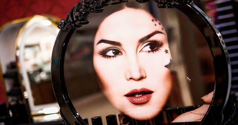 Fan's Outraged by Kat Von D's Latest Makeup Advertisement