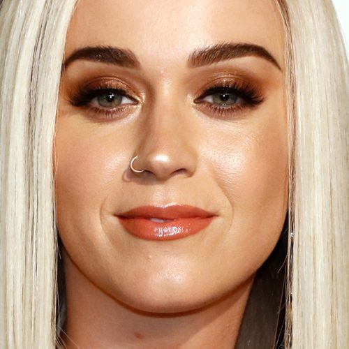 Katy Perry Makeup: Black Eyeshadow, Bronze Eyeshadow, Brown
