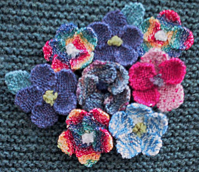 Ravelry: Simple Knitted Flower pattern by Paulette Lane | Pretty and