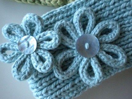 Few info on Knitted flowers
