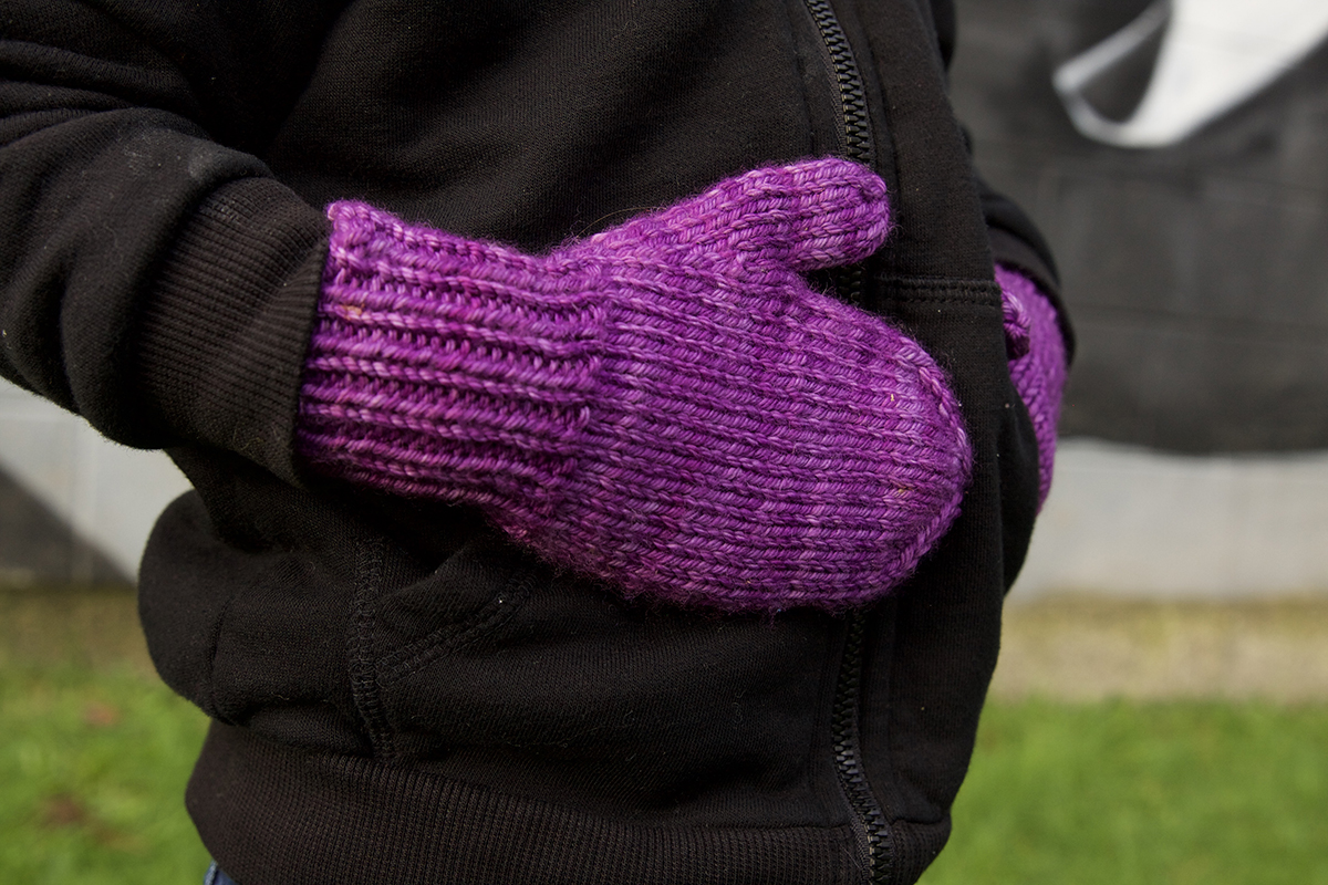 Let's Knit some super simple mittens | Tin Can Knits