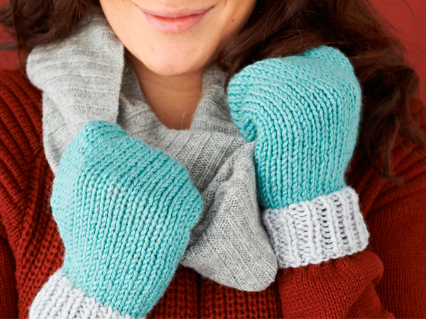 Free mittens knitting pattern - Tutorials - Mollie Makes