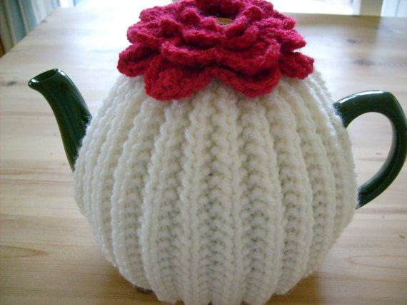 Knitted Tea Cosy with Flower Topper | Gift Ideas | Pinterest | Tea