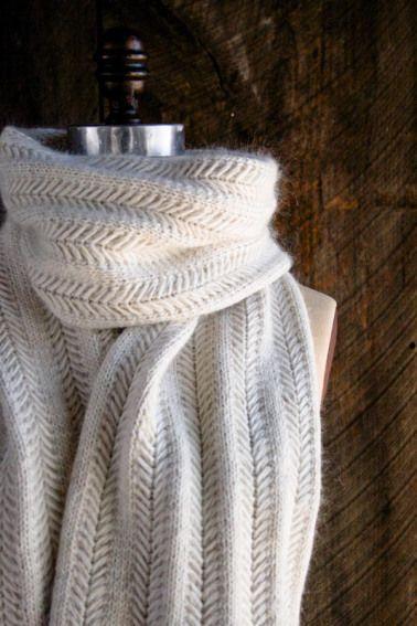 Elegant and FREE Scarf Knitting Patterns | Knitting/Crochet/Woolfelt