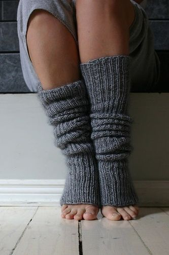 Super-Easy Leg Warmers pattern by Joelle Hoverson | DIY-someday