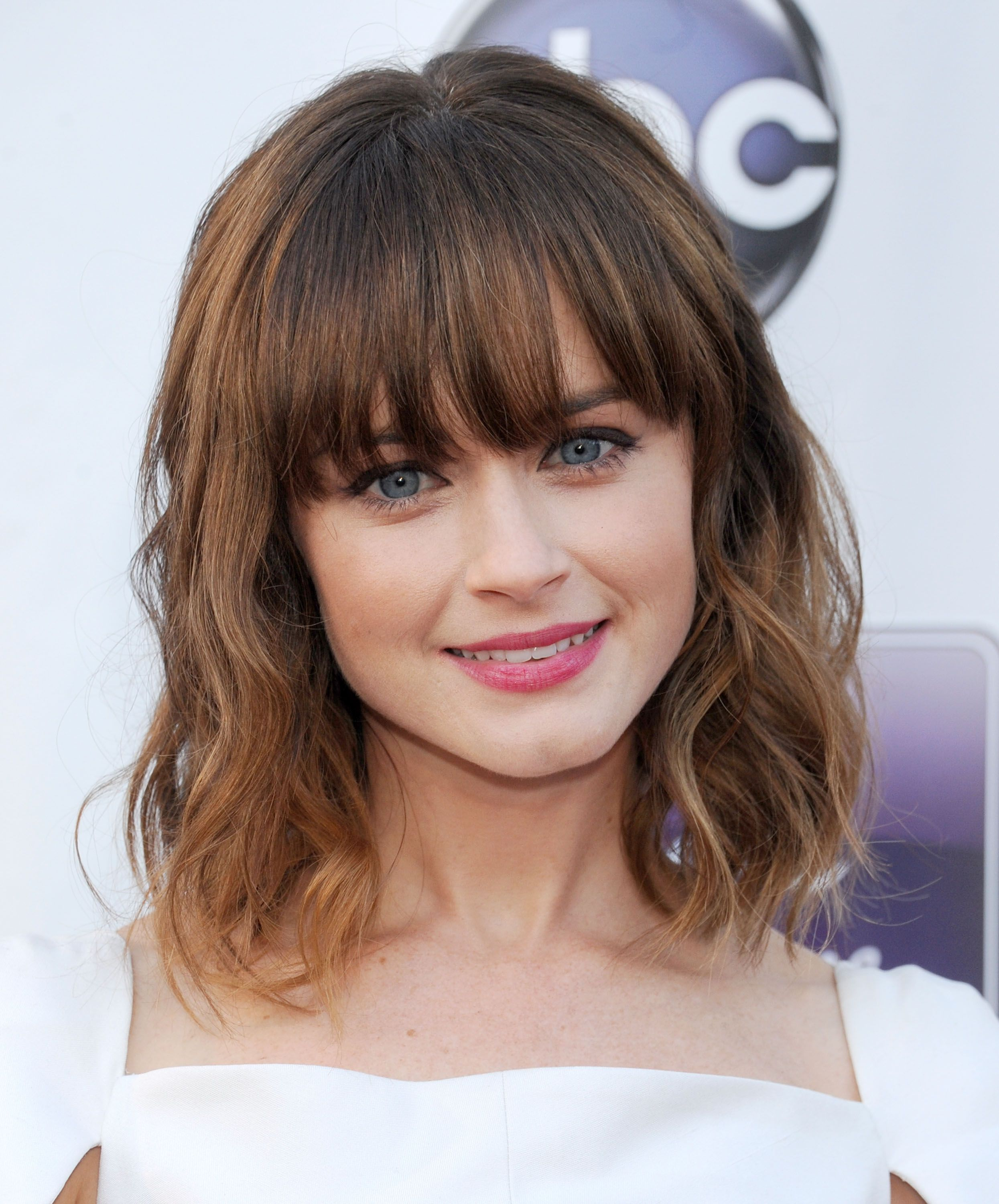 35 Best Hairstyles With Bangs - Photos of Celebrity Haircuts With Bangs