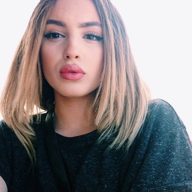 30 Hottest Medium Hairstyles & Haircuts 2018   Styles Weekly