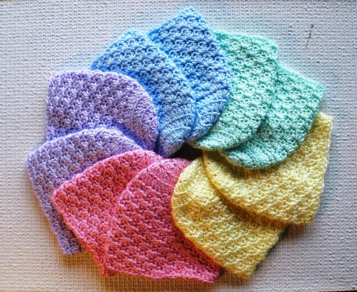 Crochet newborn baby hat pattern. These would be ideal to make up