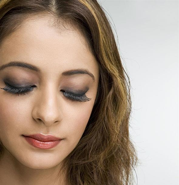 5 Simple Steps To Get Nude Makeup Look At Home | RewardMe
