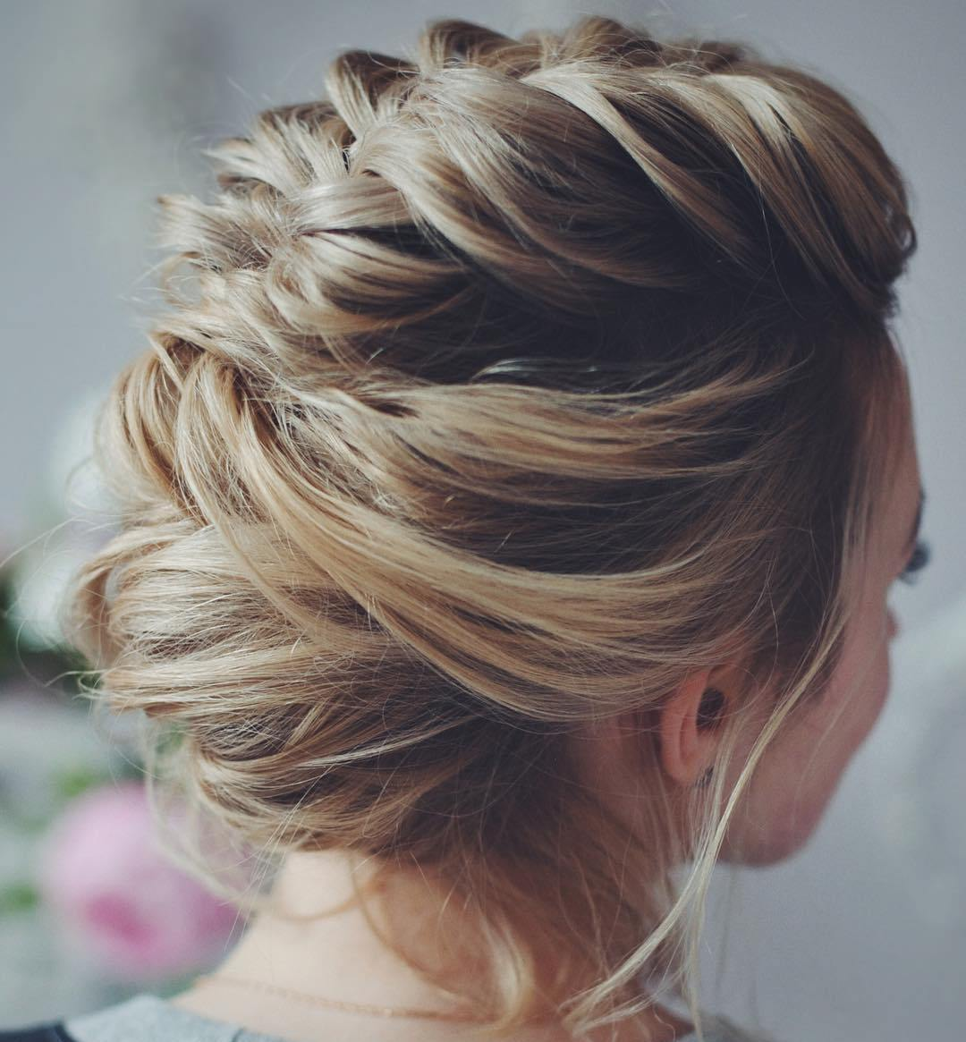 The perfect hairstyle makes the perfect   prom diva
