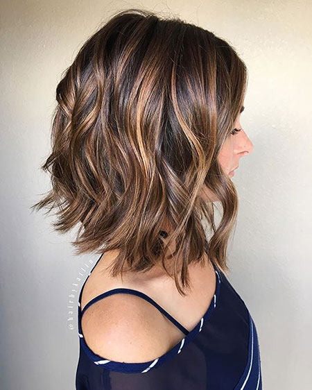 Appealing Short Hairstyle Ideas with Loose Curls