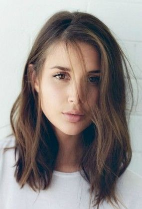 Sexy and stylish shoulder length hairs