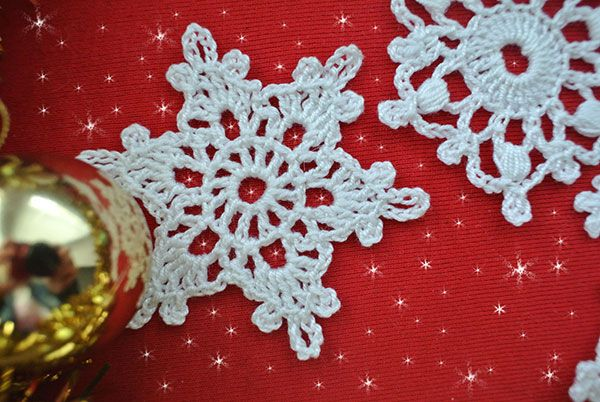 5 Free Crochet Snowflake Patterns | Maggie's Crochet - All About