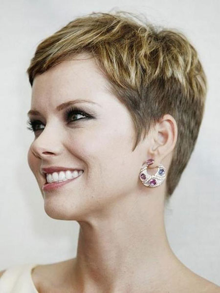 18 Very Short Haircuts for Women