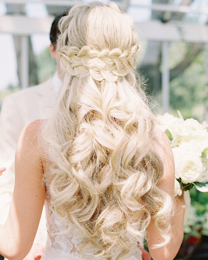 37 Pretty Wedding Hairstyles for Brides with Long Hair | Martha