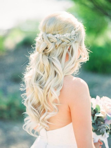 30 Elegant Outdoor Wedding Hairstyles - Hairstyles & Haircuts for