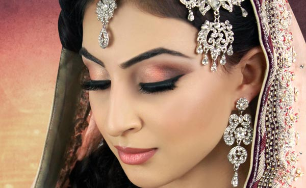 10 Essential Bridal Makeup Tips for a Perfect Wedding Look | Charu