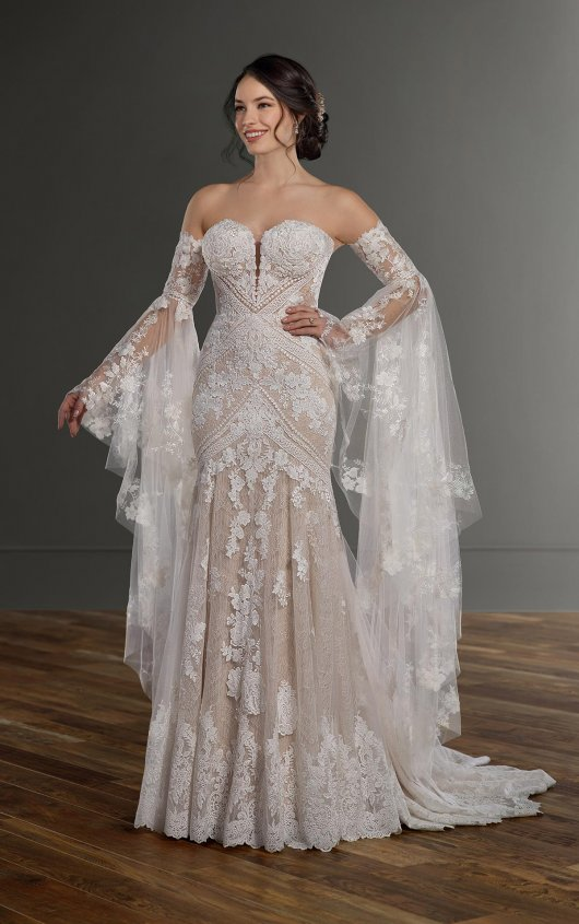 Bohemian Lace Fit-and-Flare Wedding Dress with Detachable Bell .