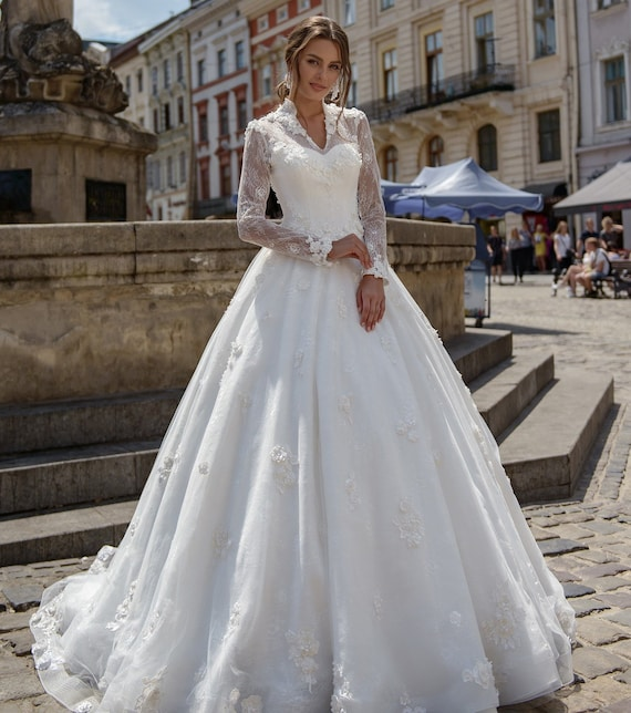 Wedding Dress with Long Sleeves 3d Flowers Illinois Low Back | Et