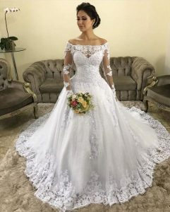 Elegant Off-the-shoulder Lace Wedding Gown Long Sleeves .