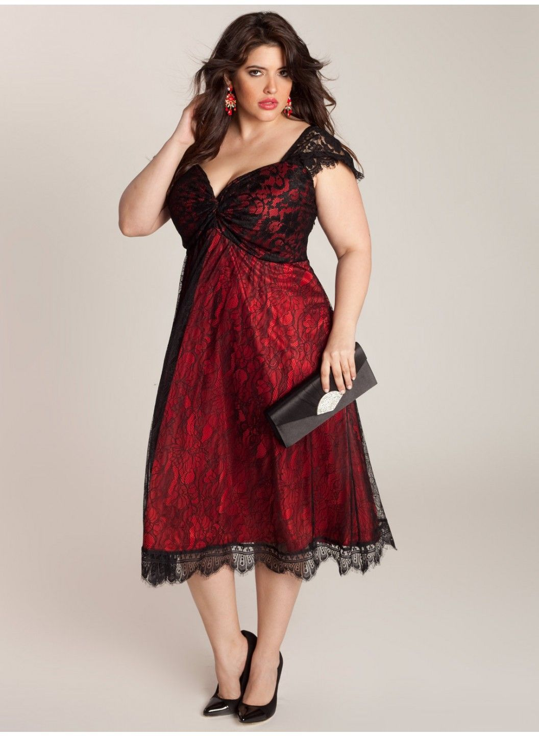 Make a Careful Choice of Your Plus Size Special Occasion Dresses