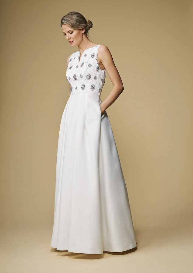 Selecting Your Dress from Casual Wedding Dresses for Older Brides